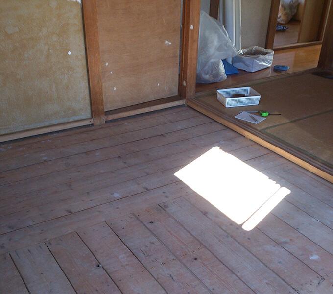 和室を洋室にするため畳を外した状態
